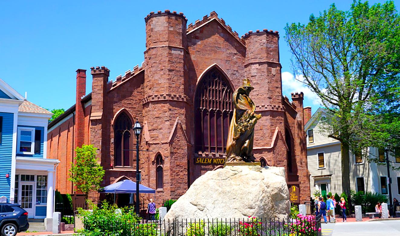 Salem-museum-statue